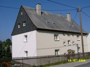 Ernst-Thälmann-Straße 11